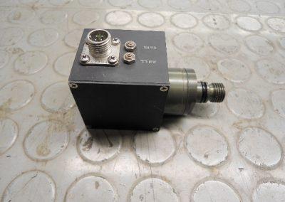 Πρεσσοστατικά ρηχά - βαθιά των τορπιλών SUT / SST-4  σε διαδίκασια επισκευής στα εργαστήρια της εταιρείας μας .
