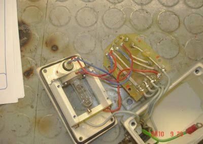 Πυρανιχευτές φωτιάς Egon Harig κατά την διαδικασία επισκευής του στα εργαστήρια της εταιρείας μας. Διακρίνοντε τα ηλεκτρονικά τμήματα .
