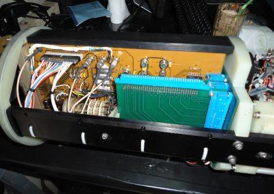 Hλεκτρονική  Μονάδα  CCU υποβρυχίου οχήματος καταστροφής ναρκών  AN/SLQ48 κατά την διαδικασία  επισκευής της  στα εργαστήρια της εταιρειας μας.