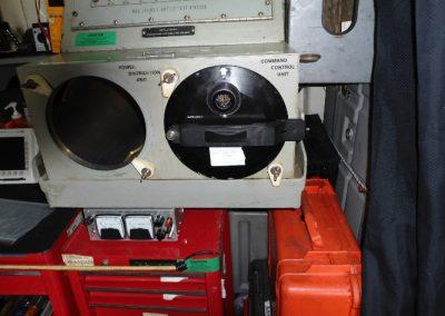 Eλεγκτής των μονάδων PDU1 και CCU υποβρυχίων οχηματών  καταστροφής ναρκών AN/SLQ48 κατά την διαδικασία  επισκευής τoυ   στα εργαστήρια της εταιρείας μας.