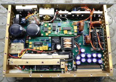 Ηλεκτρονική μονάδα τροφοδοσίας σε πλοίο του Εμπορικού Ναυτικού κατά την διαδικασία επισκευής του.