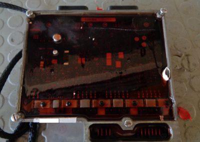 Ηλετρονική μονάδα ECU-EMM μηχανής EVINRUDE  πρίν από την διαδικασία επισκευής της.